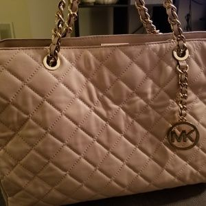 Soft Leather Michael Kors purse & wallet